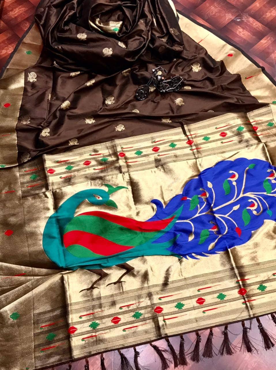 Attractive Kanchipuram Traditional saree in Brown dvz0002600