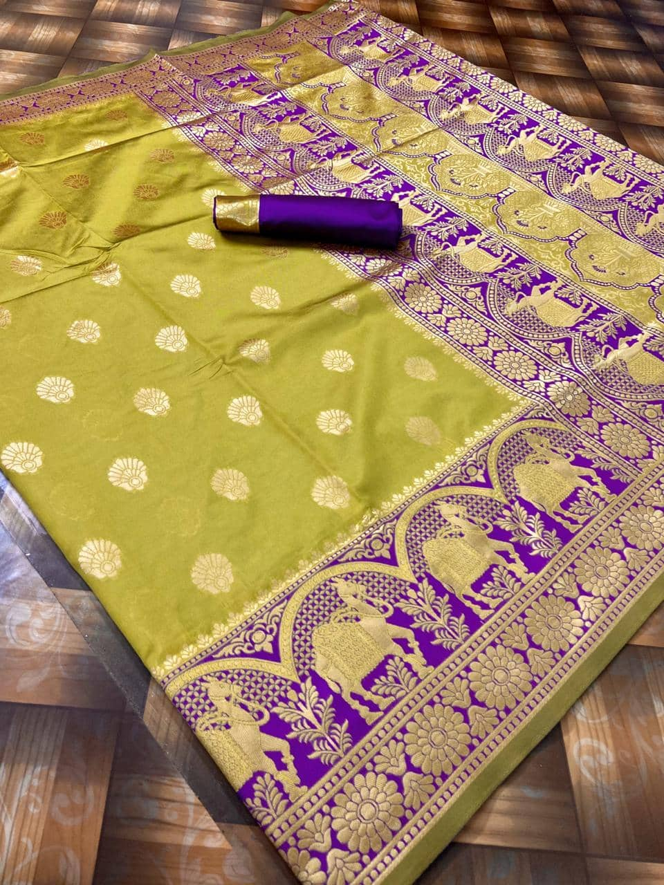 Beautiful banarasi silk paithani style saree with beautiful weaving rich pallu (Yellow) dvz0001378