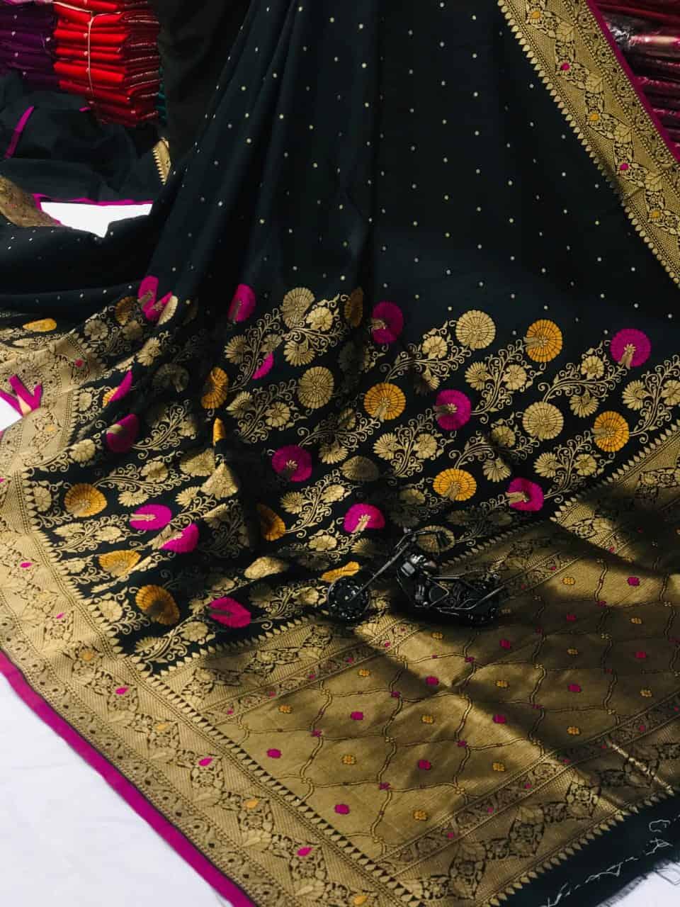 Black Banarasi Soft Litchi Silk Saree dvz0002220
