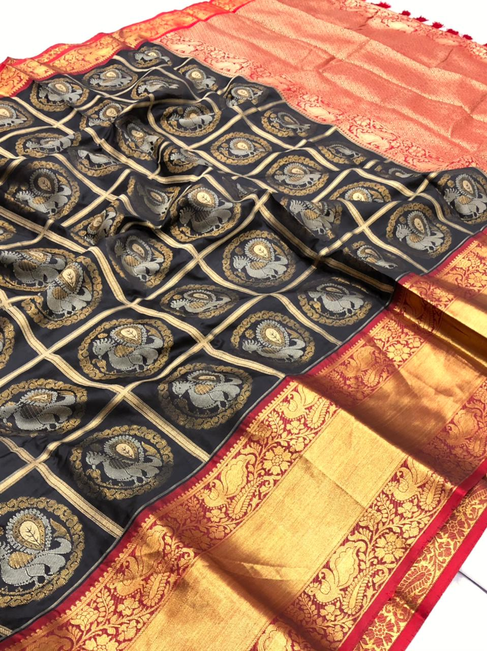 Black Kanchipuram Silk Sarees online shopping dvz0001956