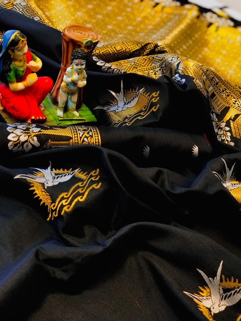 Black lichi silk saree with blouse piece dvz0002044