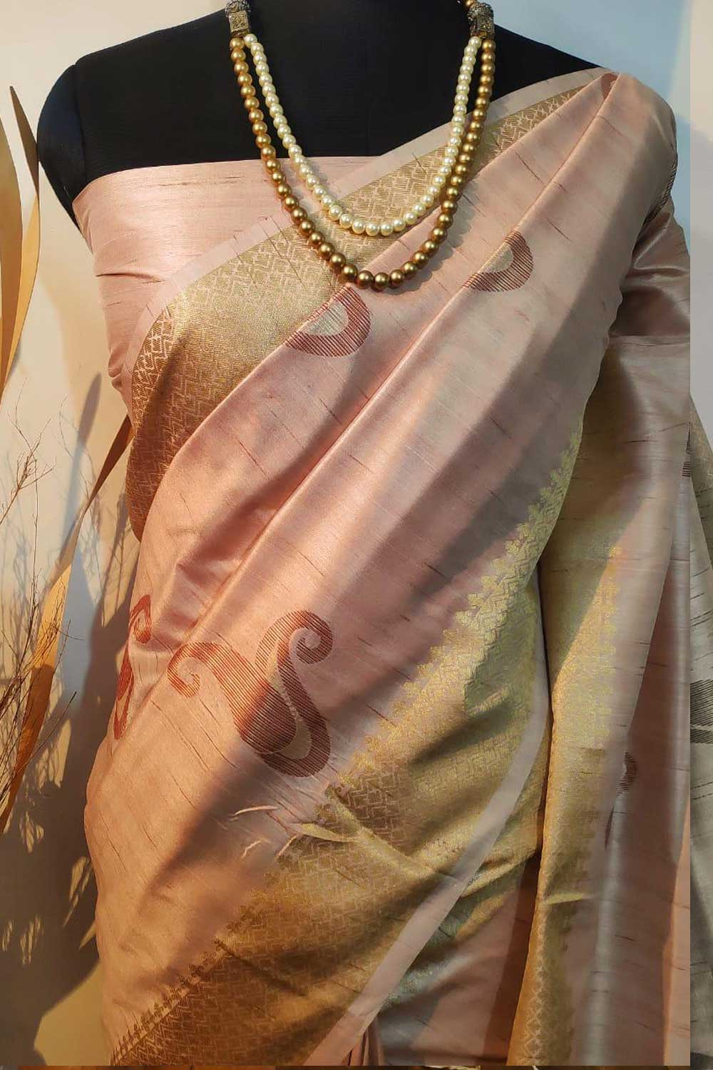 Cream Soft mulberry silk weaving saree with exclusive zari woven butta and pallu with matching blouse piece dvz0001010-2