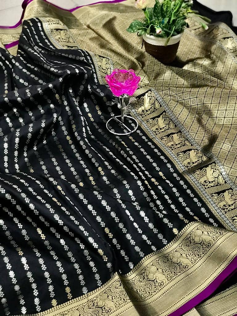 Exclusive Banarasi Silk Saree in Black dvz0002619