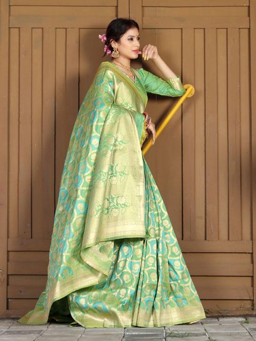 Exclusive Soft silk weaving saree in Green dvz0001178