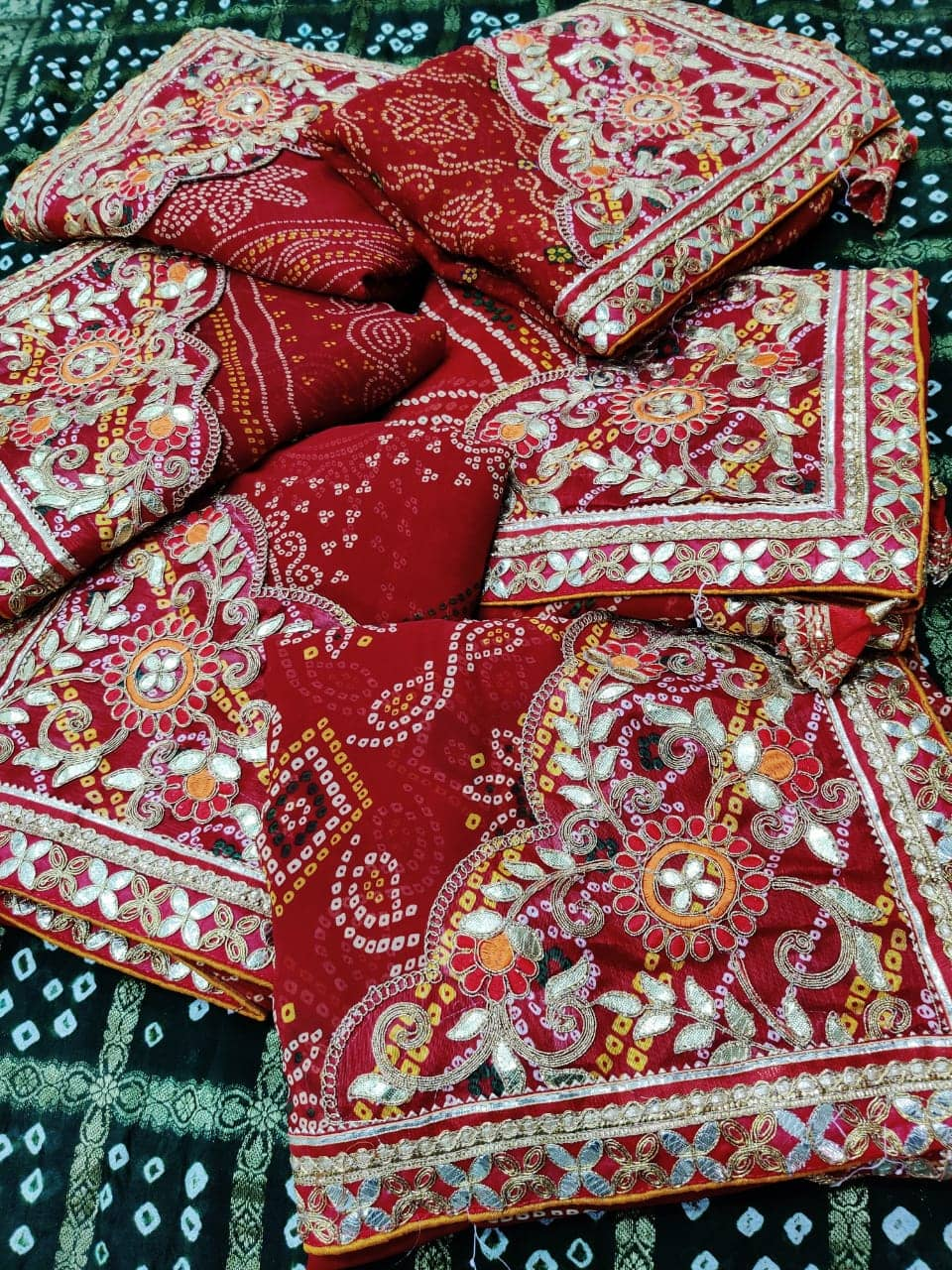 Gorgeous women's Bandhani Printed saree dvz0001660-1