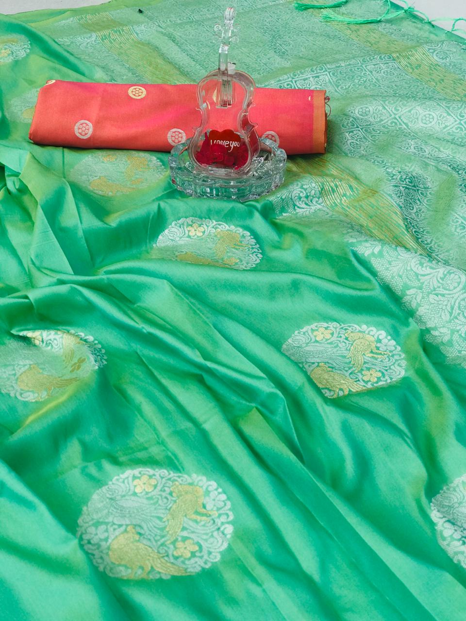 Green Banarasi silk weaving jacquard saree with Rich Pallu dvz0001234
