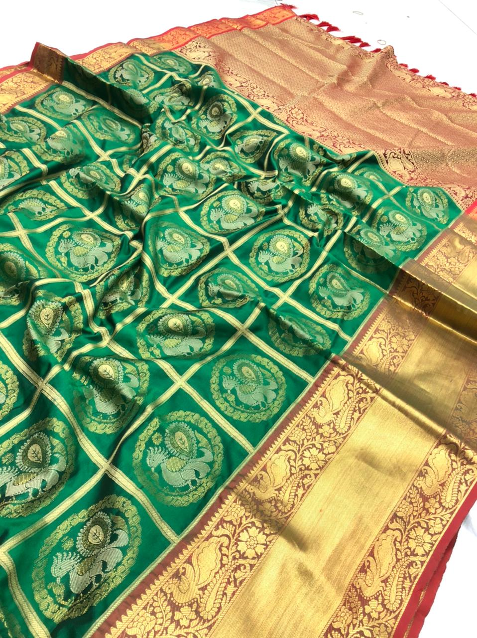 Green Kanchipuram Silk Sarees online shopping dvz0001960