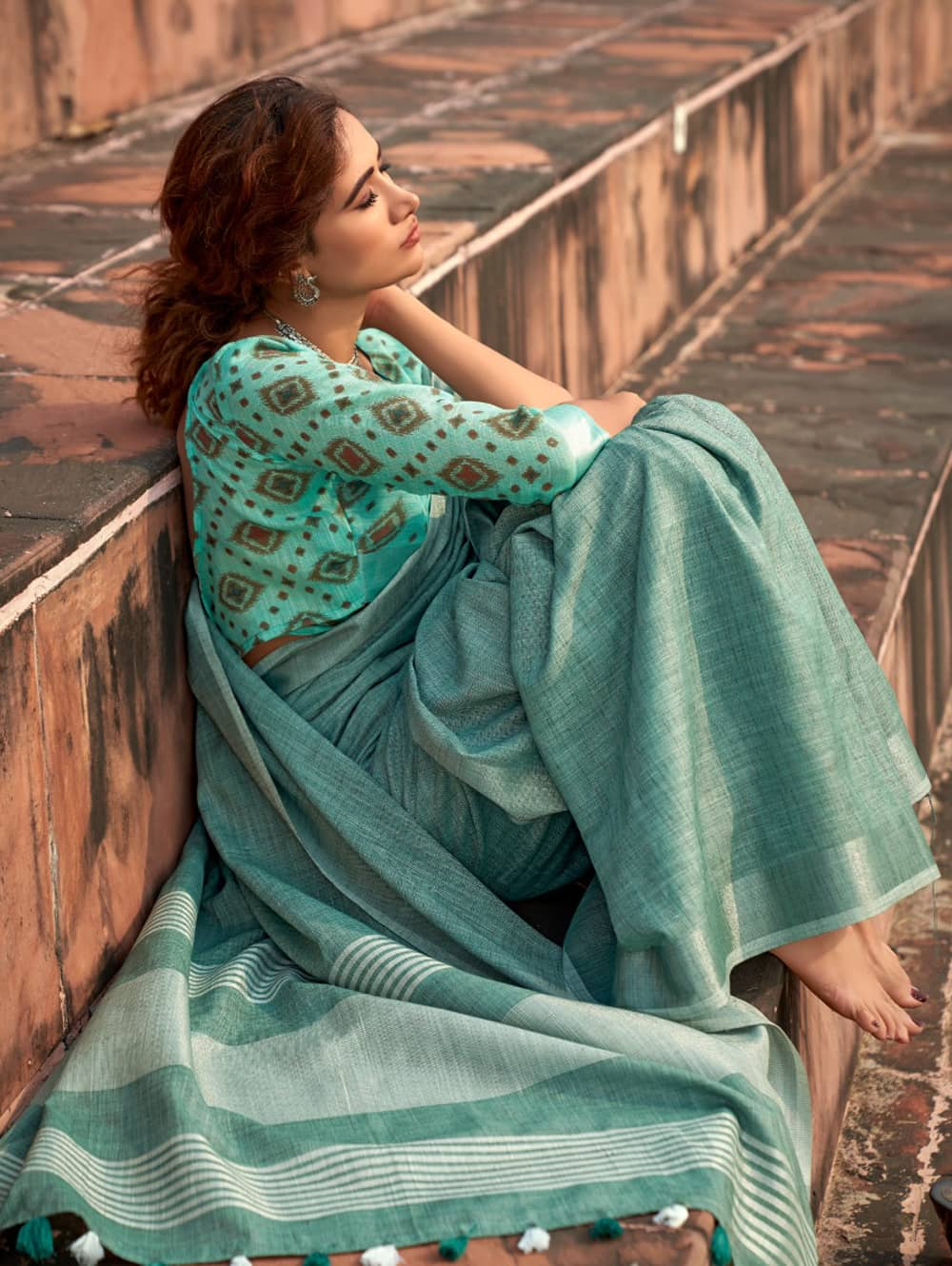 Green Linen Winter Special Saree With Blouse Piece dvz0001443 - Branded sarees online shopping-3