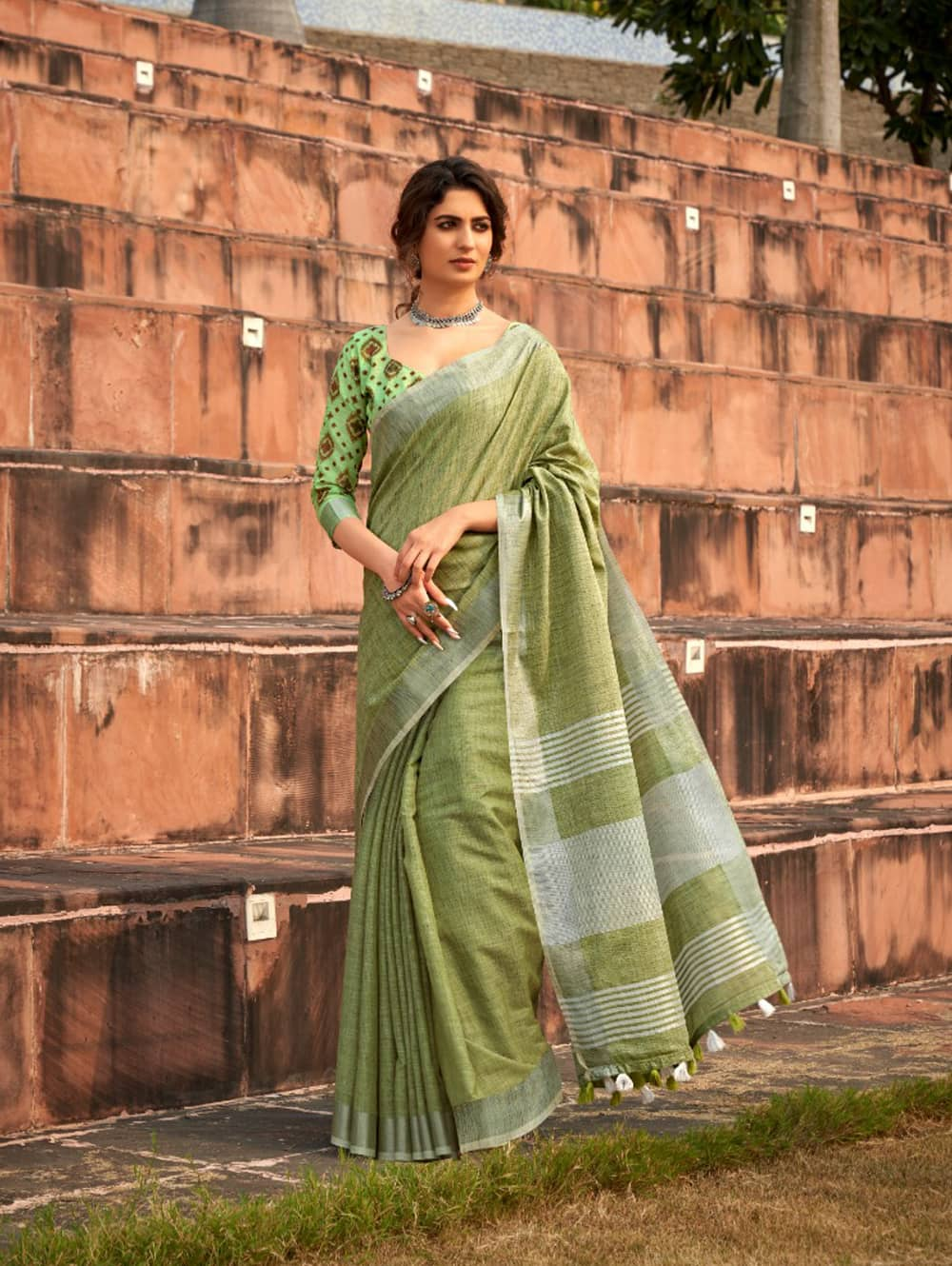 Green Linen Winter Special Saree With Blouse Piece dvz0001444 - Branded sarees online shopping