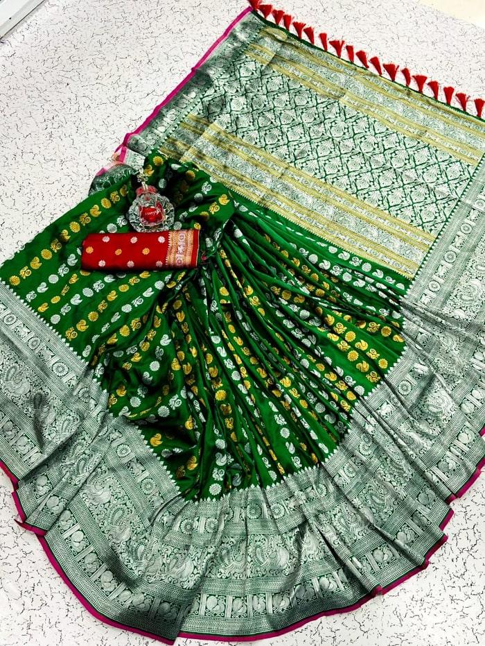 Green banarasi silk saree with weaving zari design dvz0002151