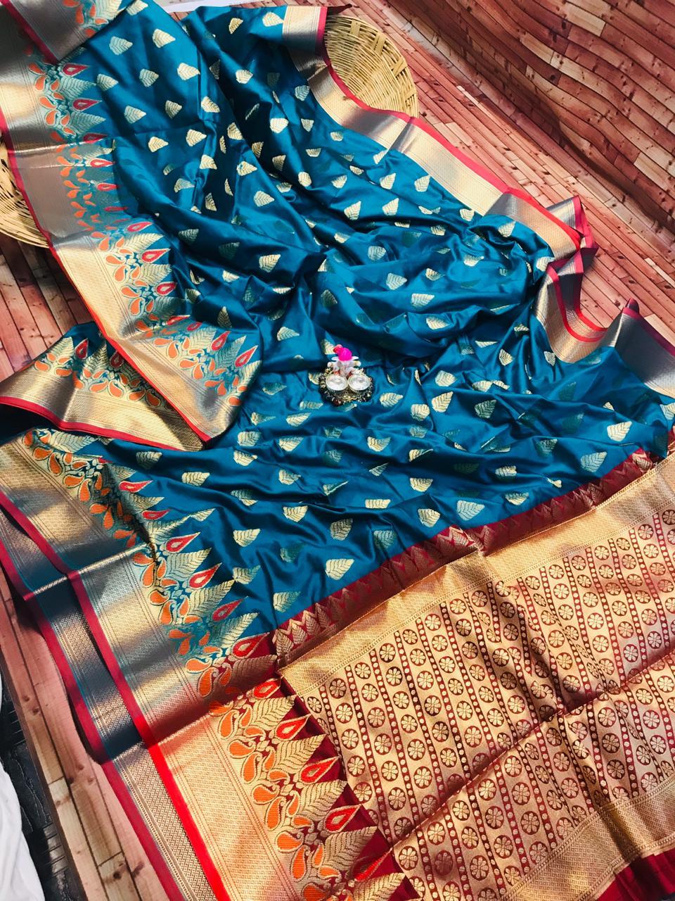 Kanchipuram Silk saree in Blue dvz0002277