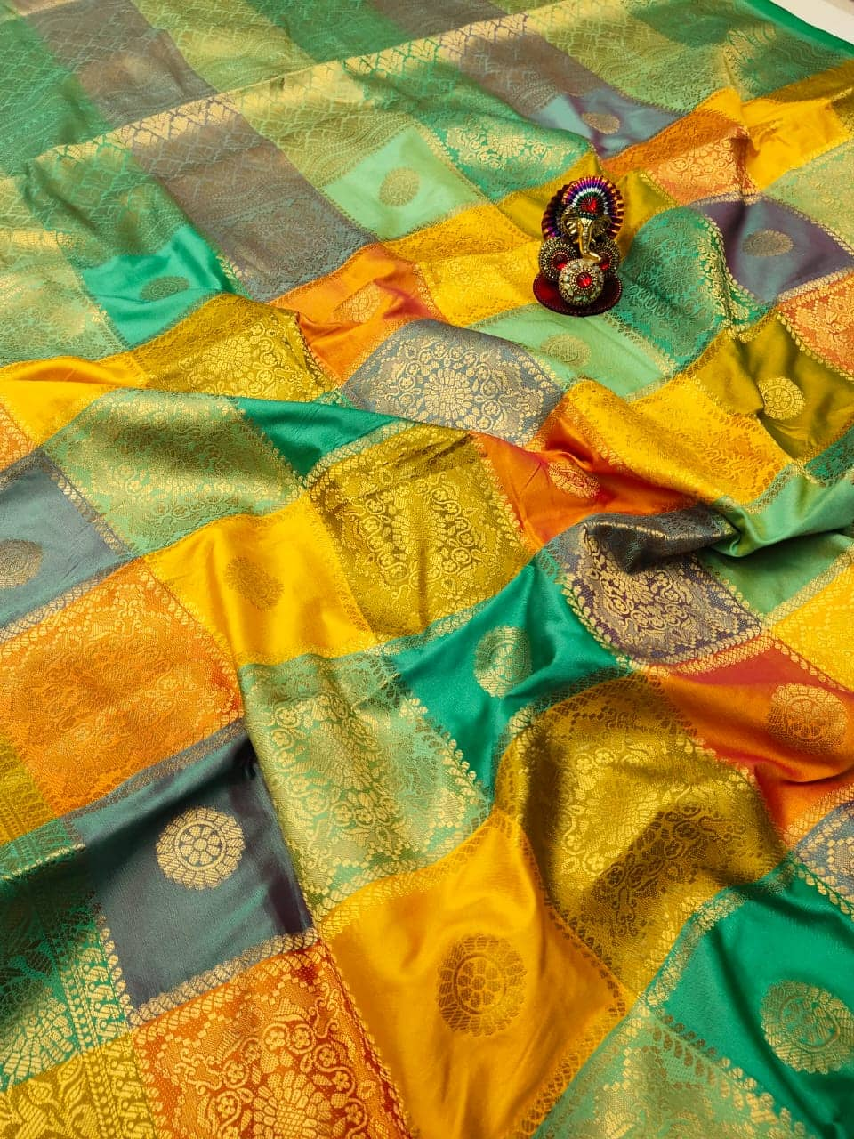 Kanchipuram soft lichi silk Box Design saree dvz0002158