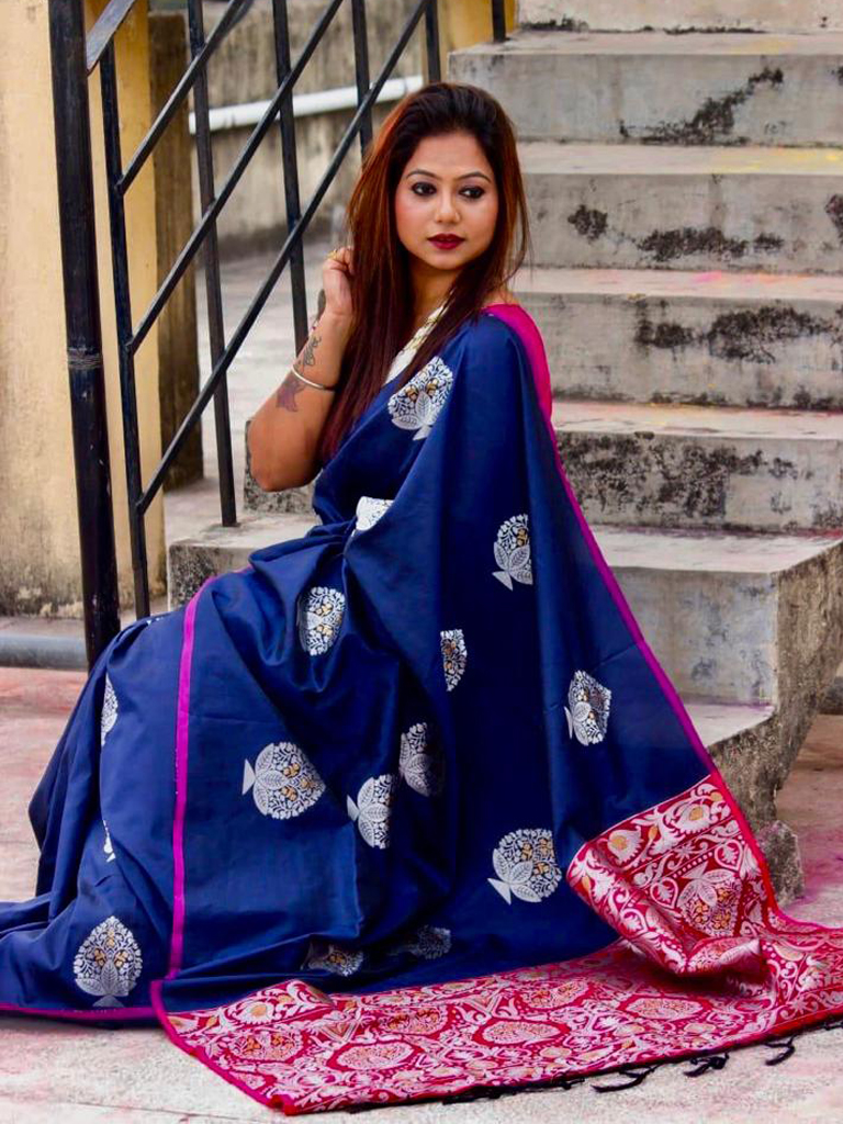 Lichi Silk Weaving Jacquard Saree in Blue dvz0002613