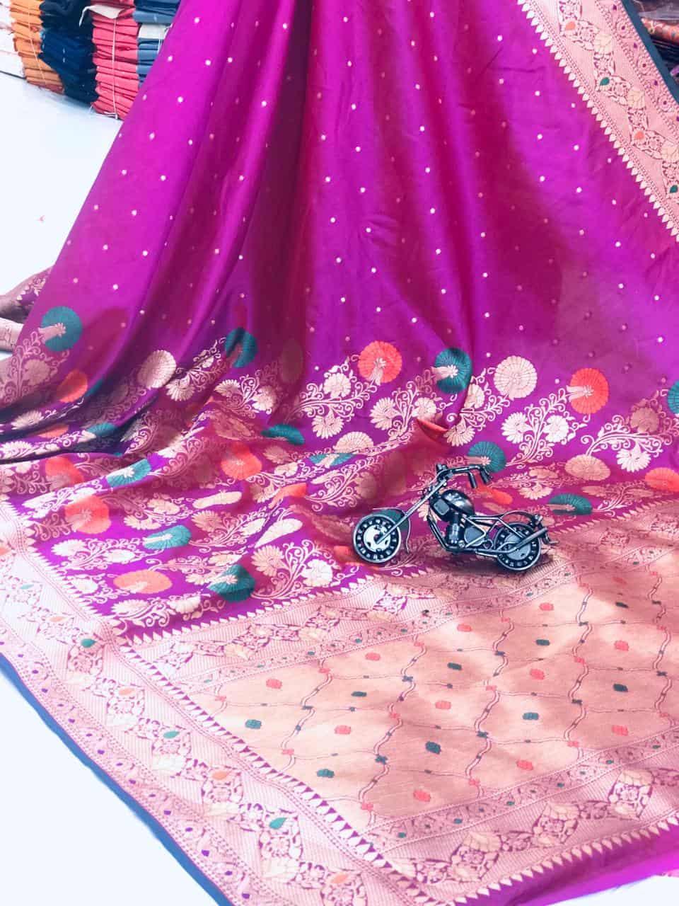 Pink Banarasi Soft Litchi Silk Saree dvz0002223