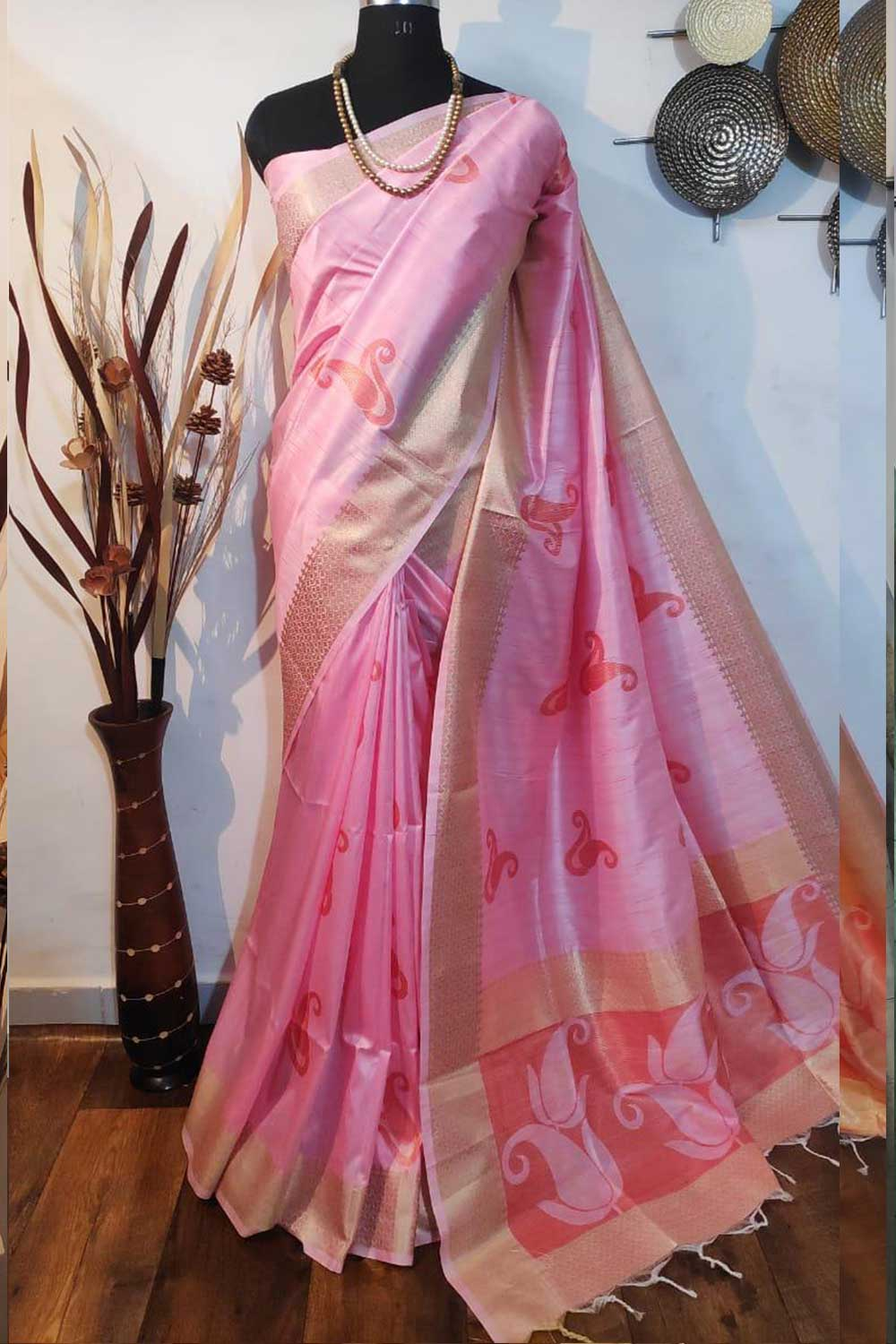 Pink Soft mulberry silk weaving saree with exclusive zari woven butta and pallu with matching blouse piece dvz0001014