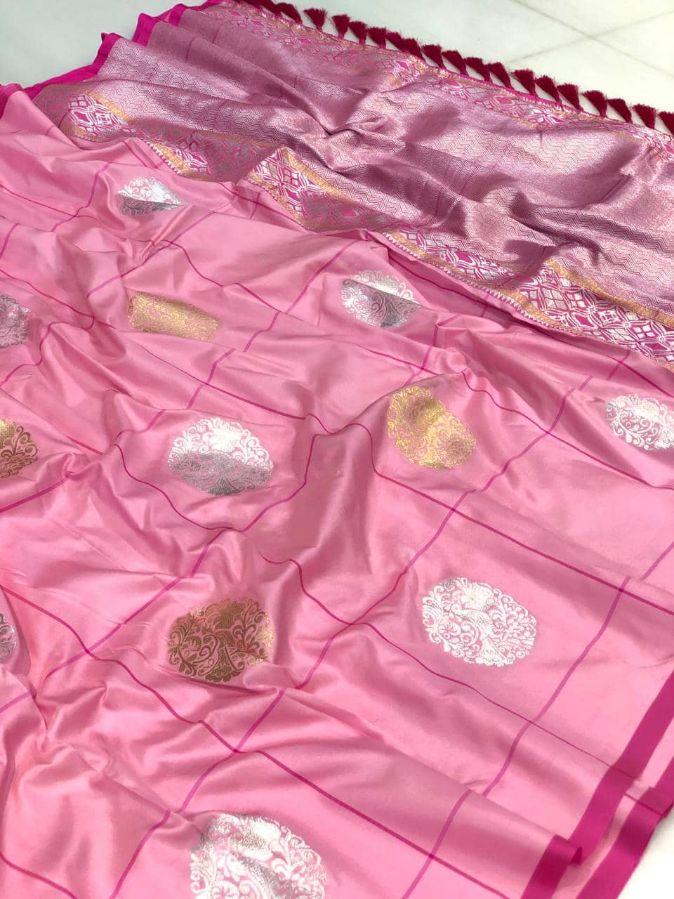 Pink color Gorgeous Kanchipuram silk saree online india dvz0001366