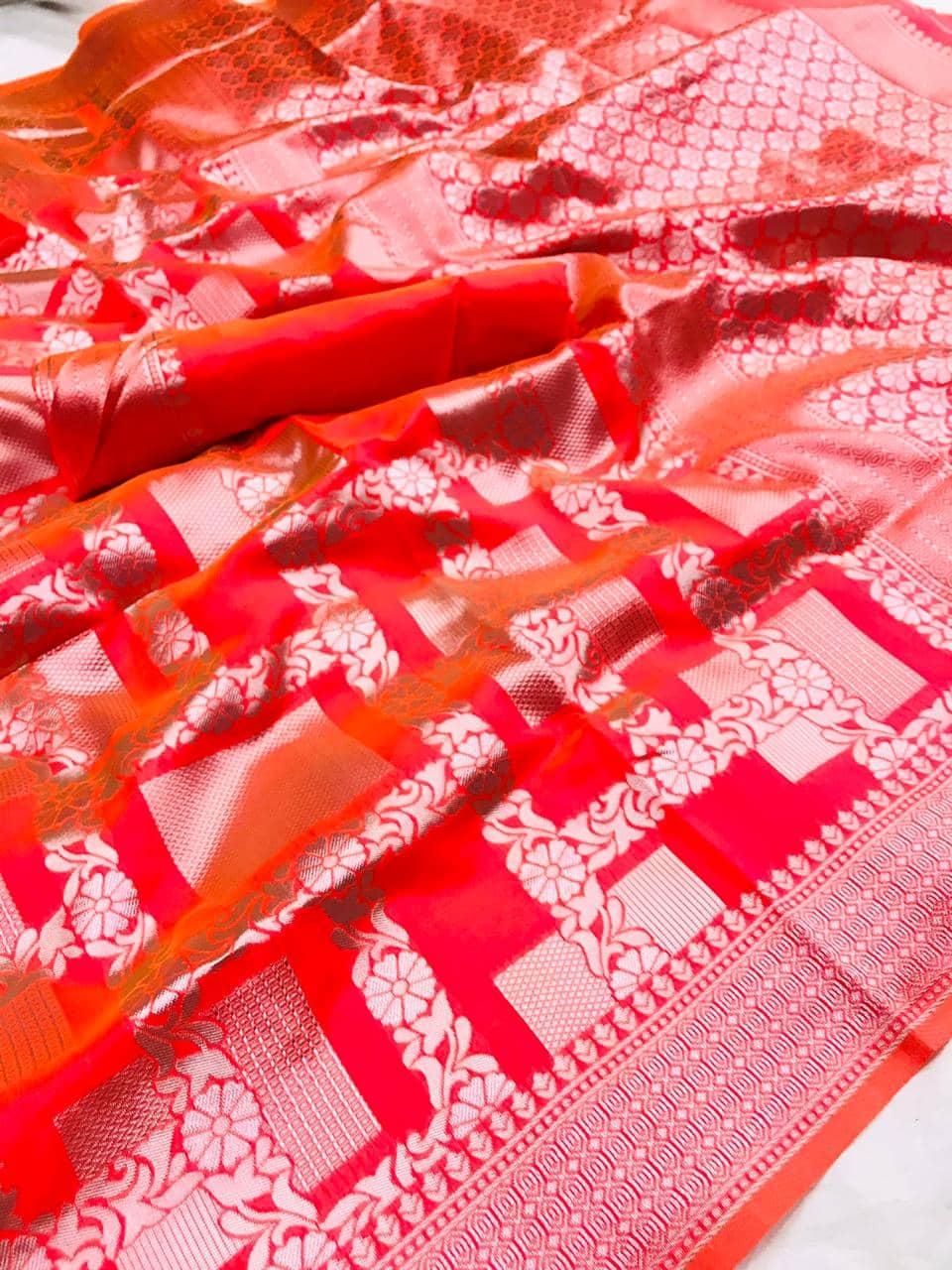 Red Lichi Silk Silver checks woven saree dvz0002189