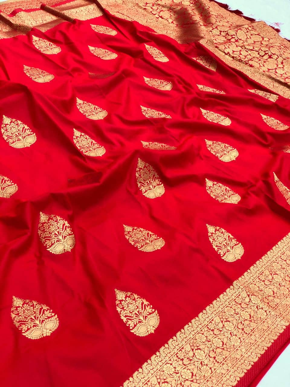 Red soft silk valentine day Special saree dvz0001772