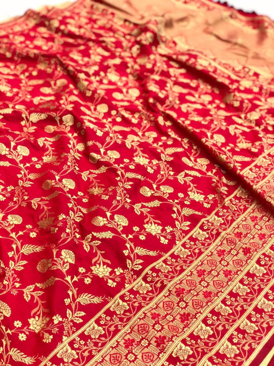 Red soft silk valentine day Special saree dvz0001773