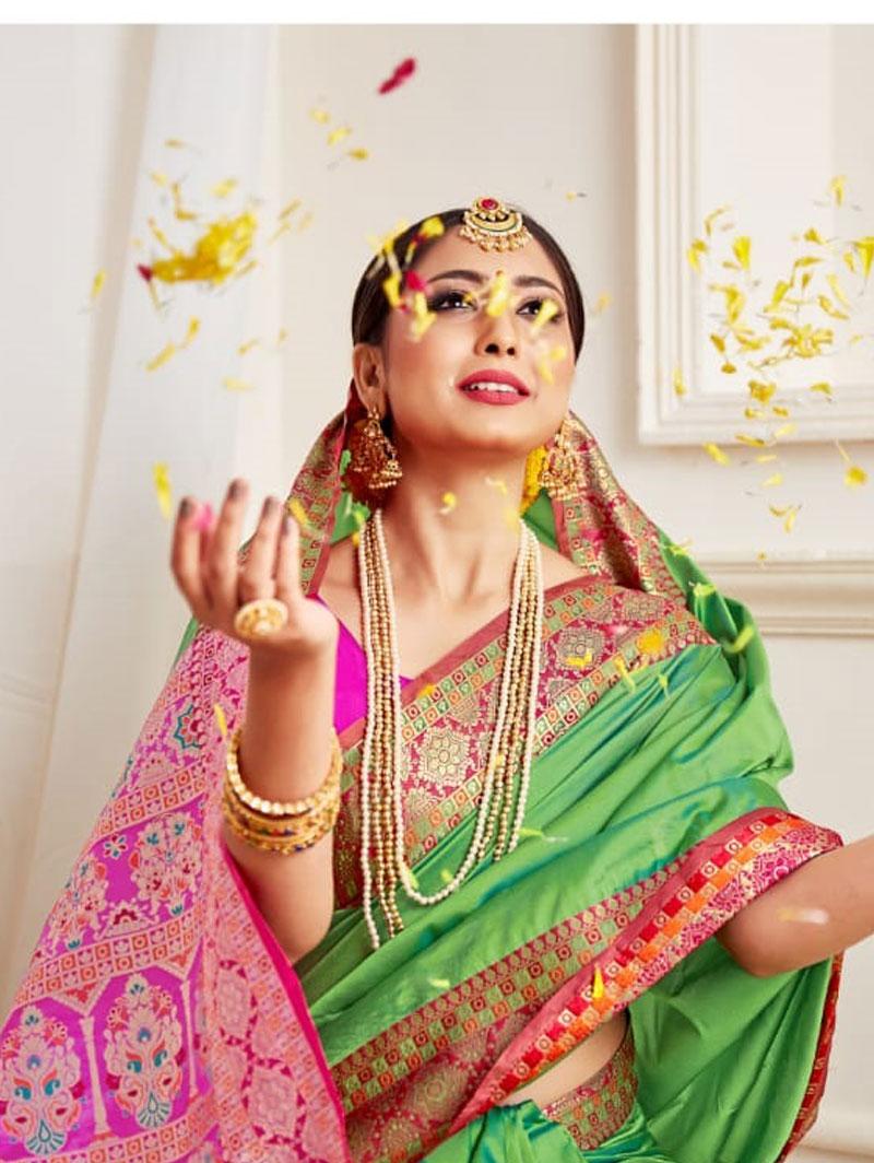 Soft silk weaving saree (Green) dvz0001305