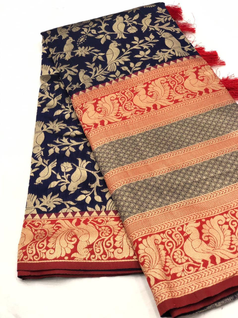 Stunning Kanchipuram Silk Traditional Saree in Blue dvz0001749