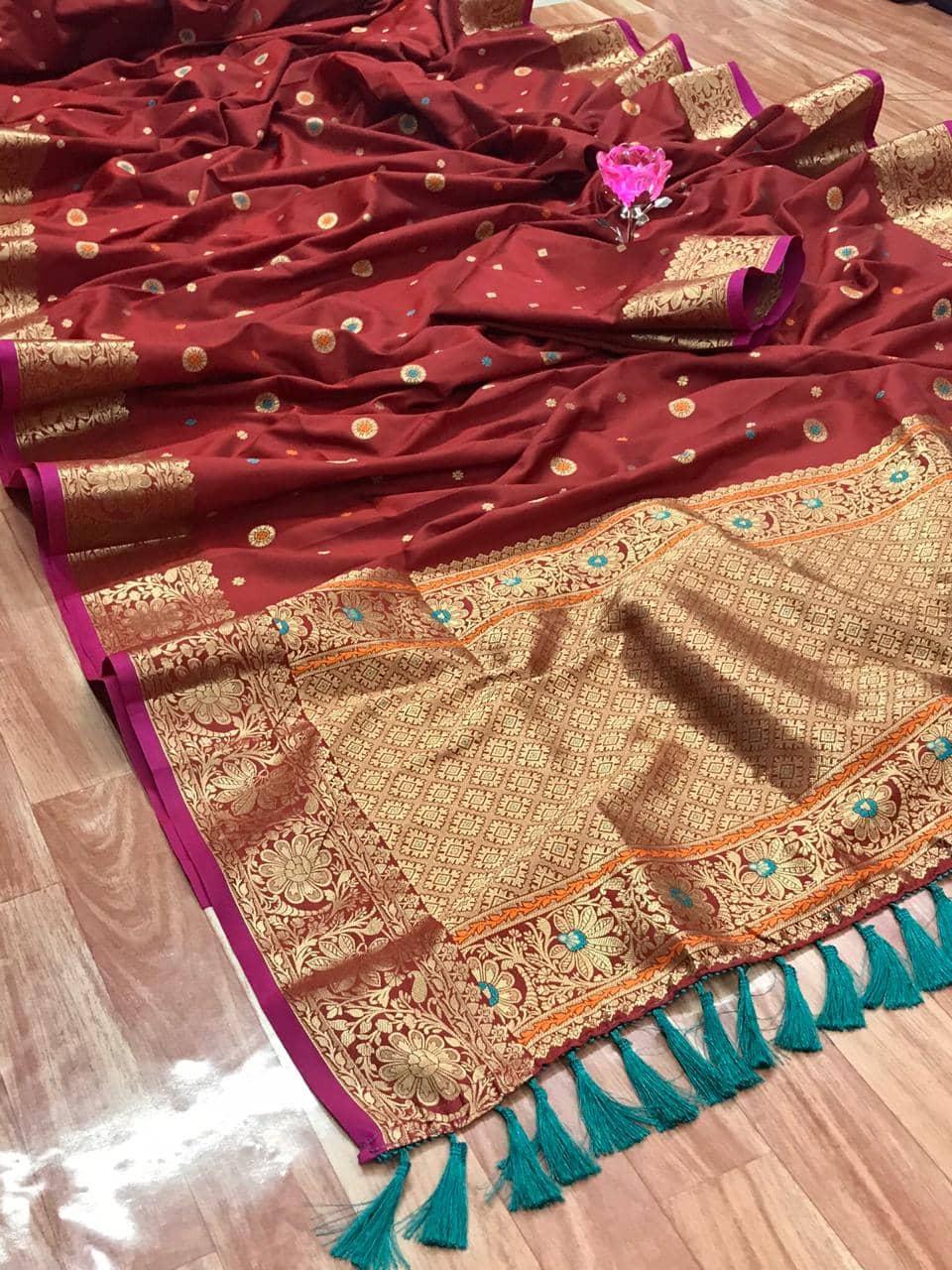 Stunning Maroon Banarasi Soft Silk Saree dvz0002627