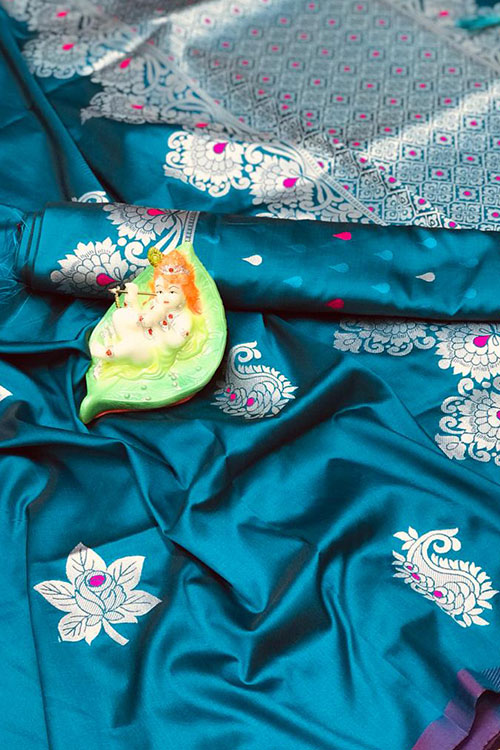 Stunning Sky Blue Colored Soft Silk Saree online dvz0001169
