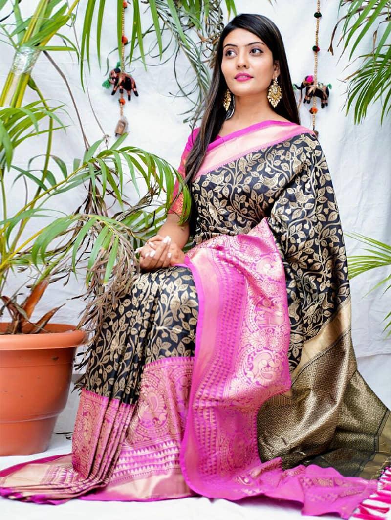 Trending kanjivaram soft silk saree in Black dvz0002142