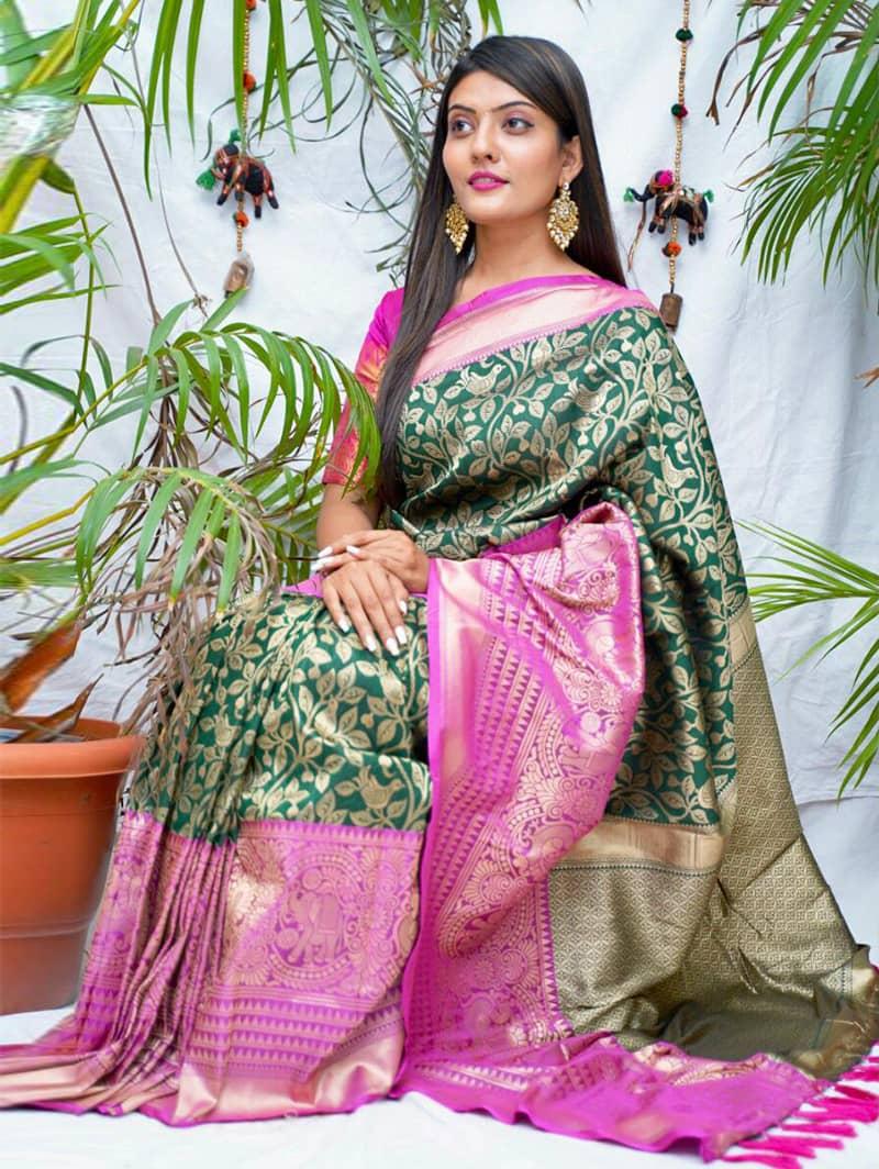 Trending kanjivaram soft silk saree in Green dvz0002143