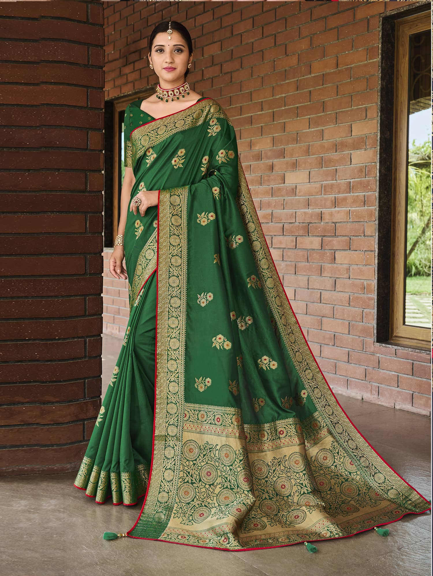 Women's Green Green Soft silk saree dvz0002349