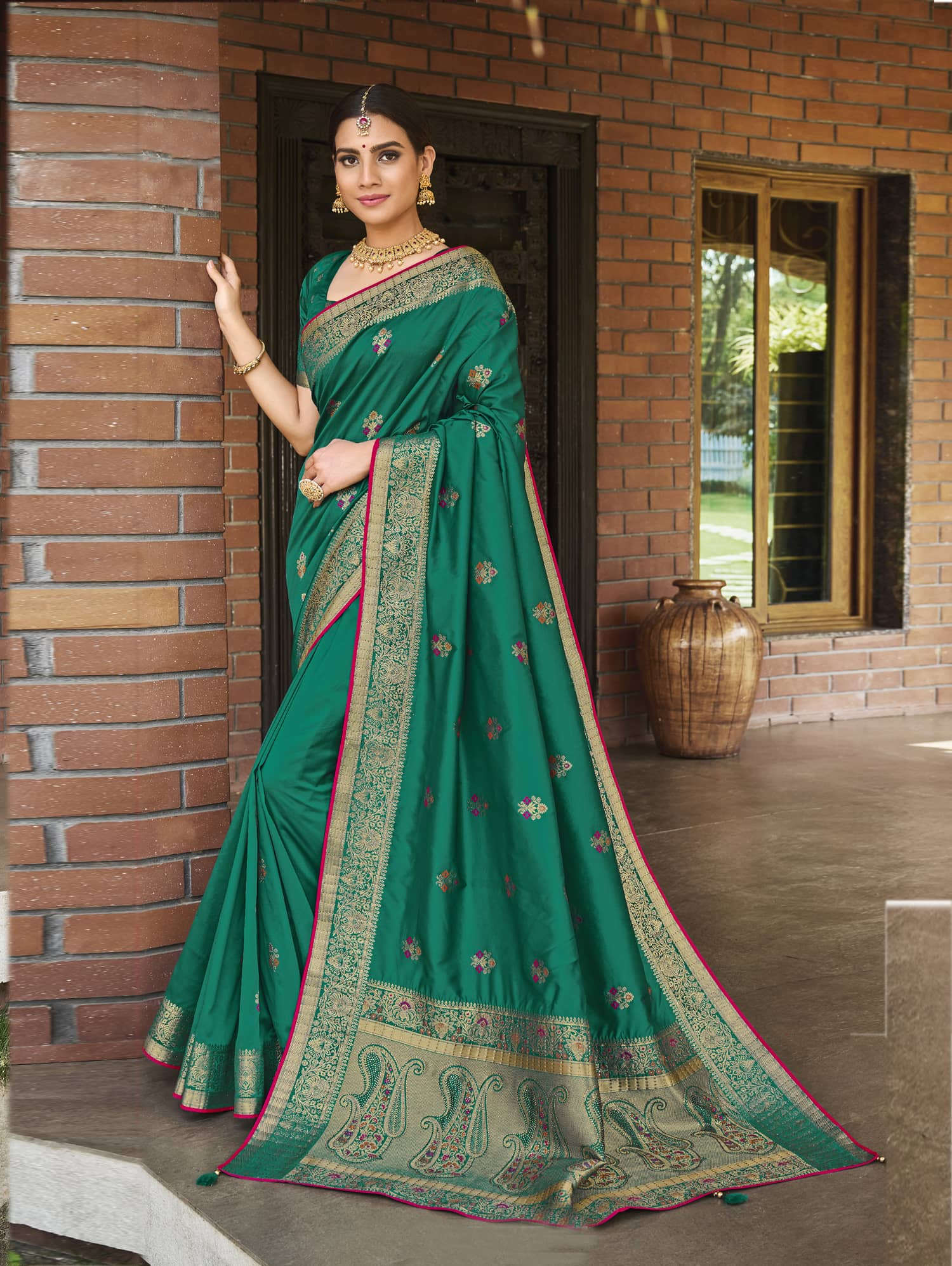 Women's Green Soft silk saree dvz0002350