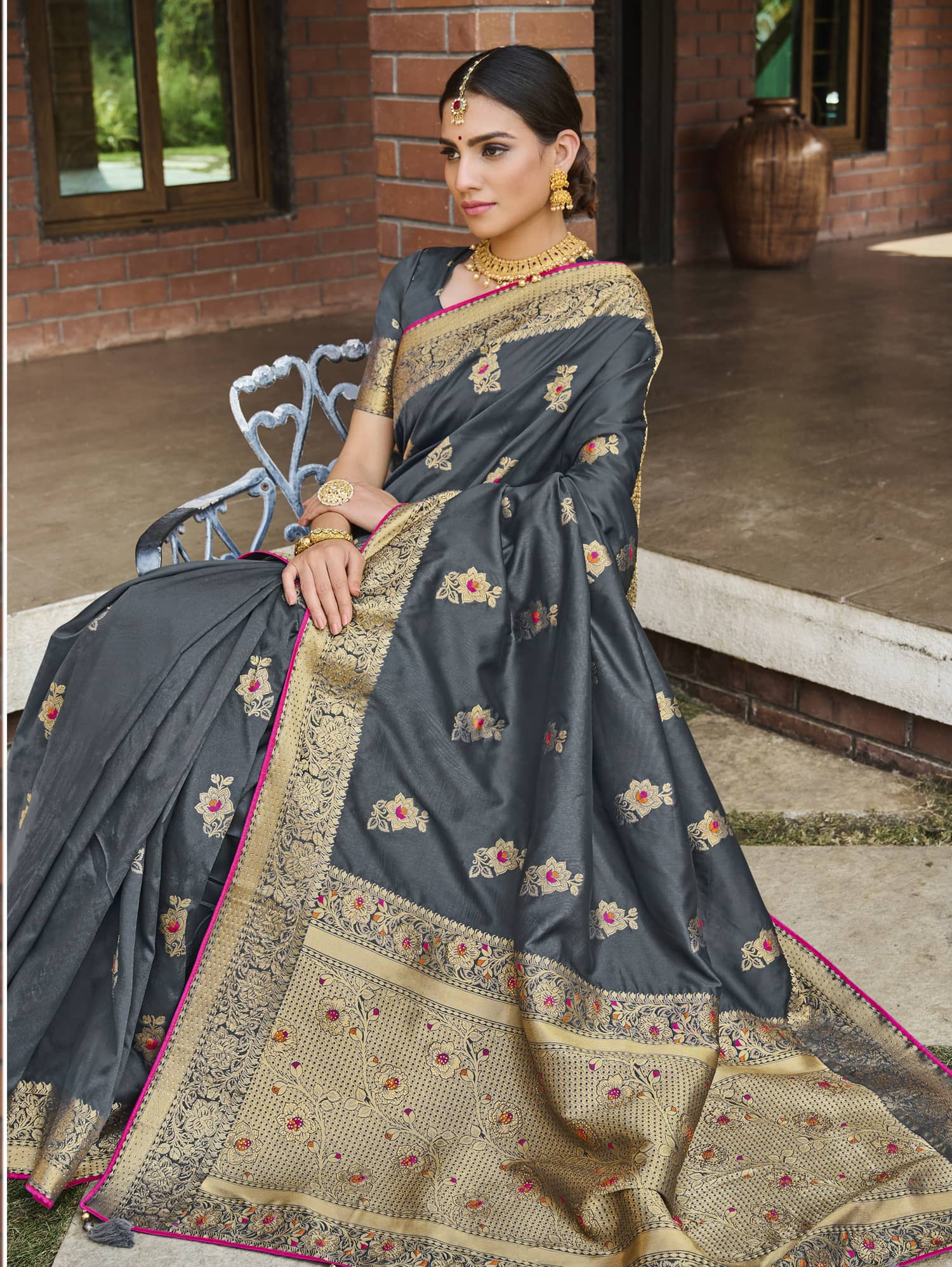 Women's Grey Soft silk saree dvz0002353-2