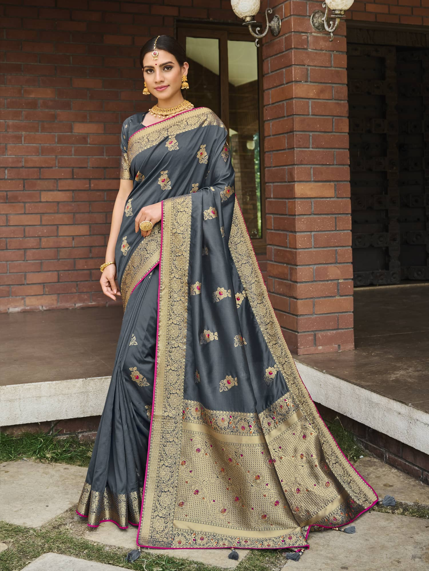 Women's Grey Soft silk saree dvz0002353