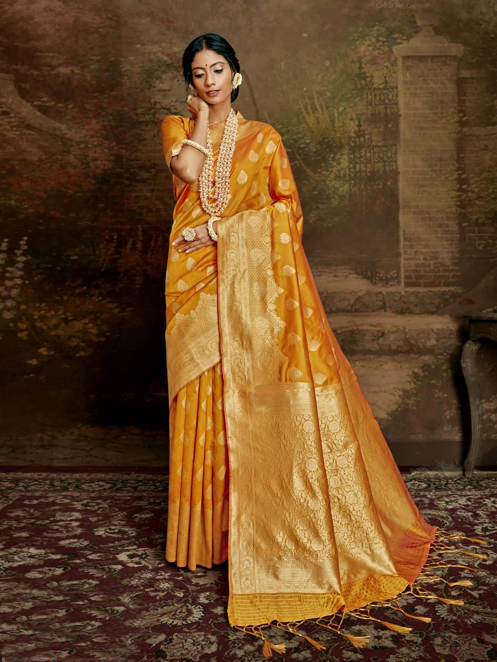 Women's Jamdani silk saree in Yellow dvz0002409