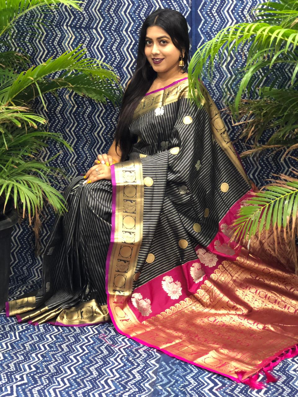 Women's Kanchipuram silk saree in Black dvz0002344