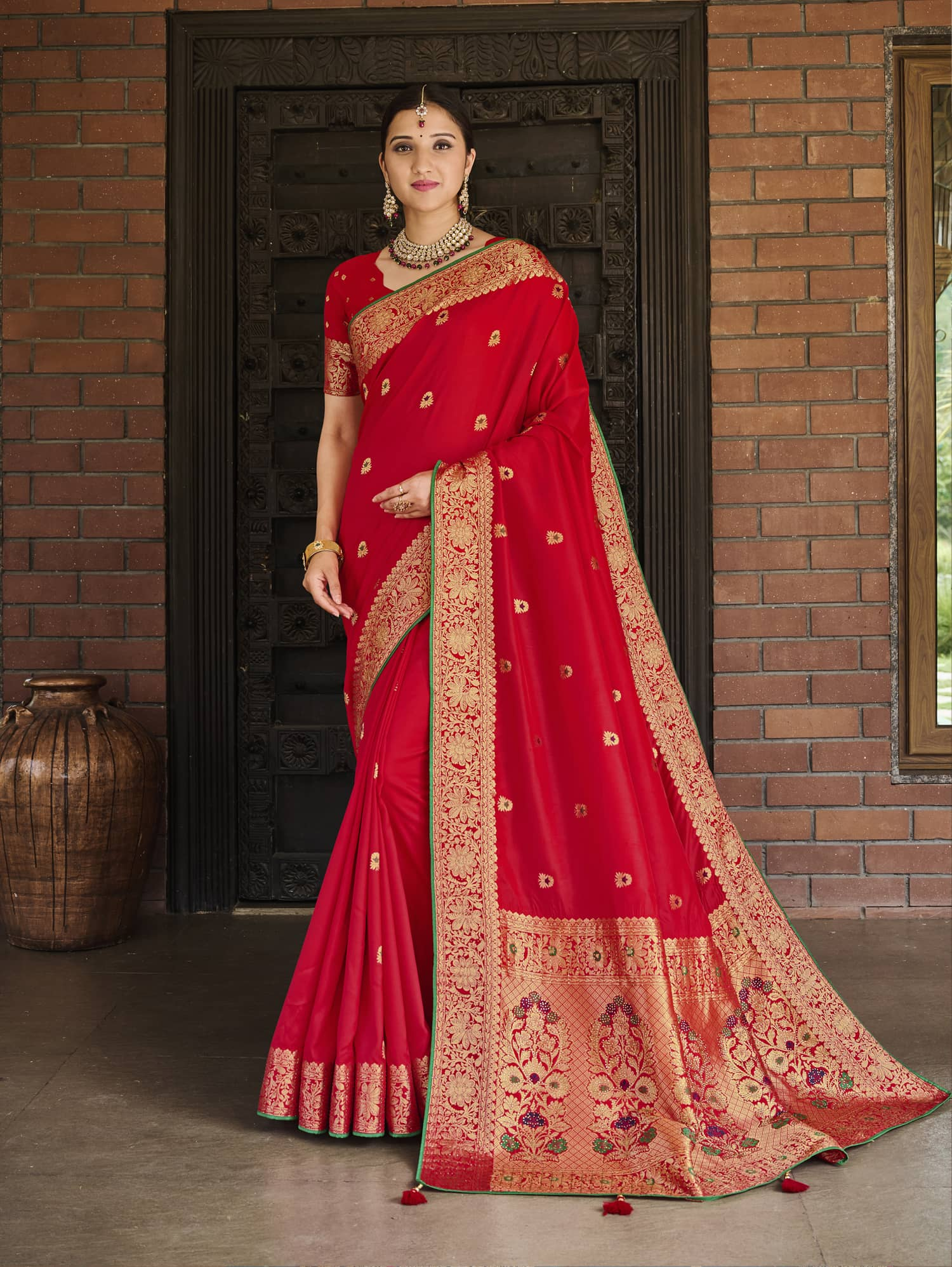 Women's Red Soft silk saree dvz0002357