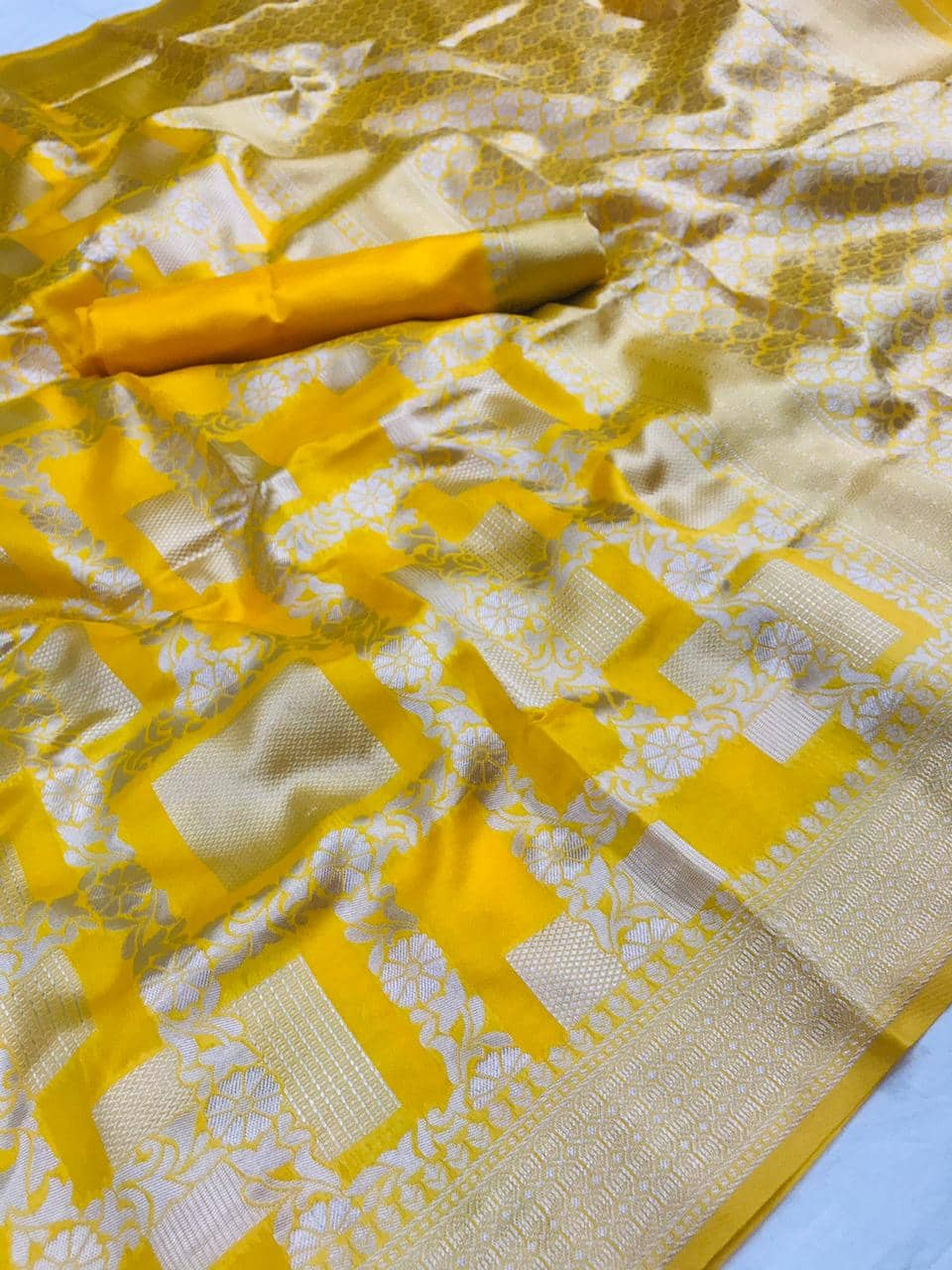 Yellow Lichi Silk Silver checks woven saree dvz0002187