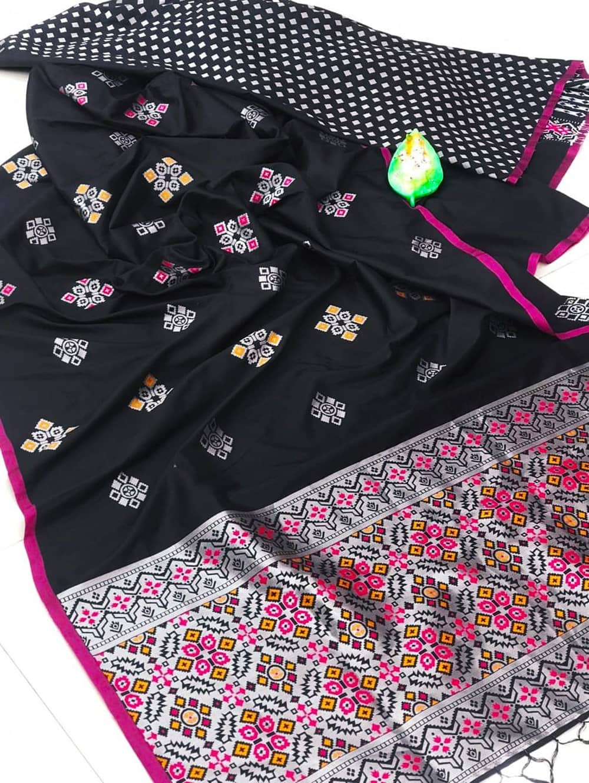 dvanza Beautiful Black Soft And Silky Litchi Silk Saree dvz0002316