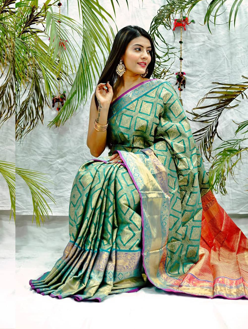 green kanjivaram soft silk sarees in india dvz0002085