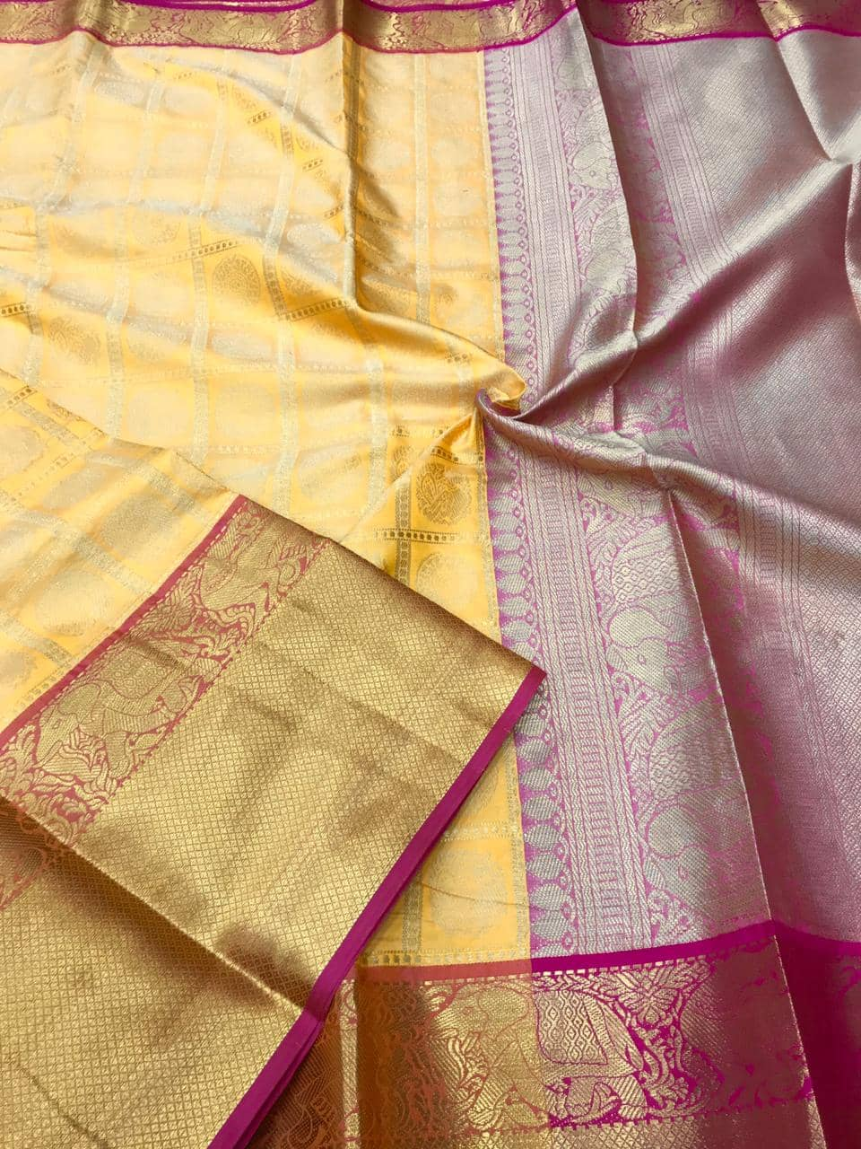 kanchipuram silk saree in Yellow dvz0001854