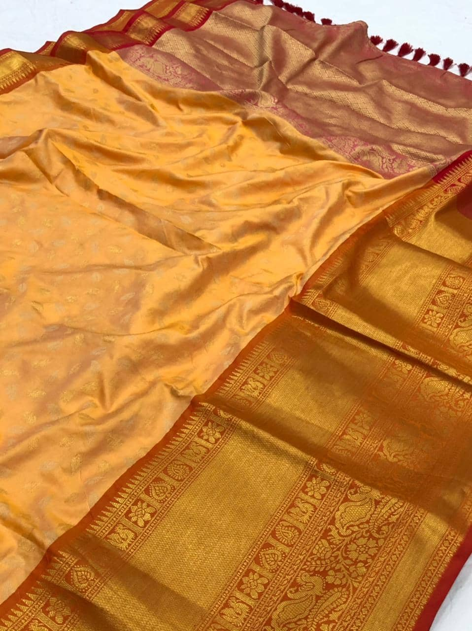 latest Orange kanchipuram silk saree dvz0002125