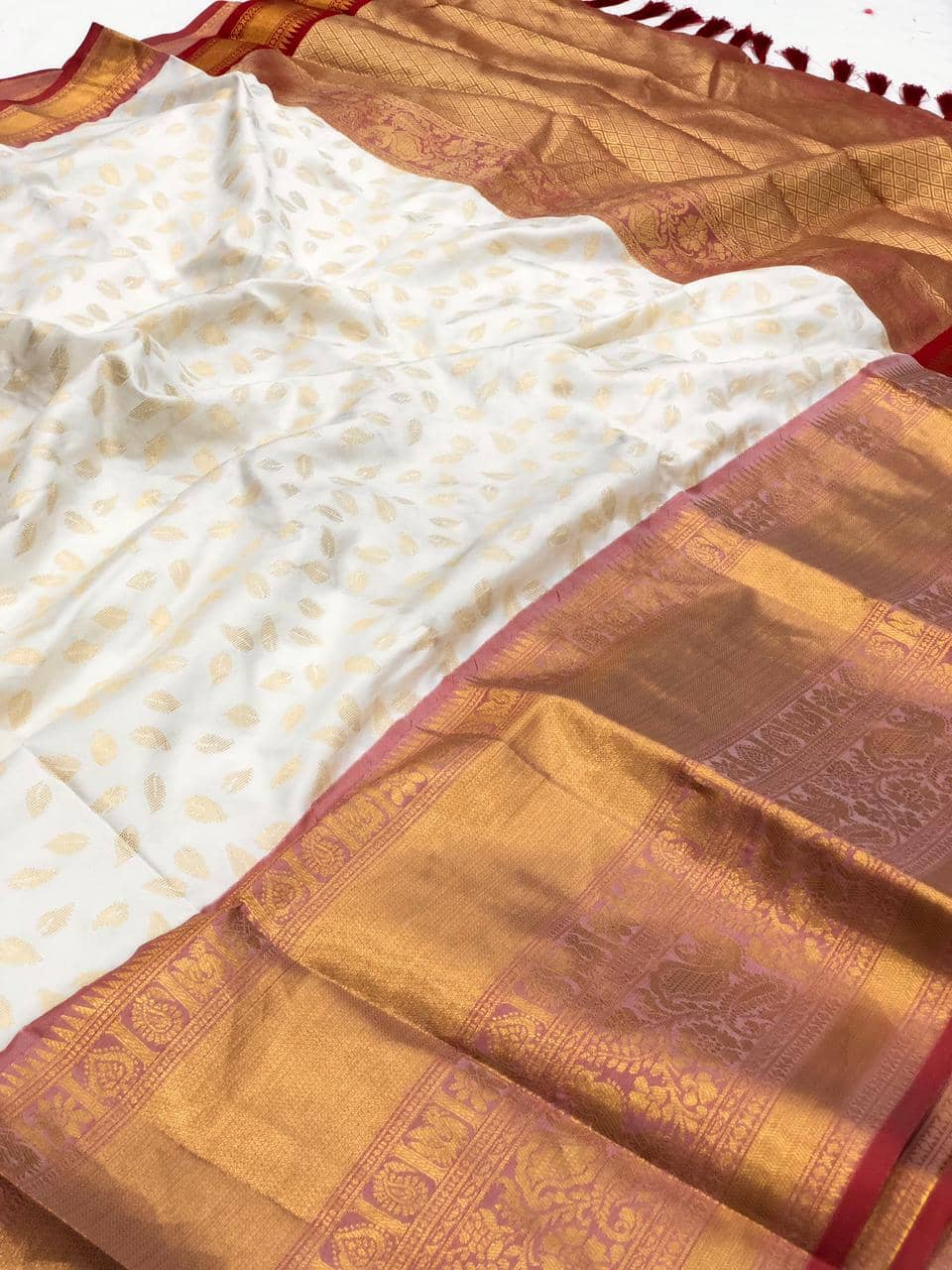 latest white kanchipuram silk saree dvz0002119