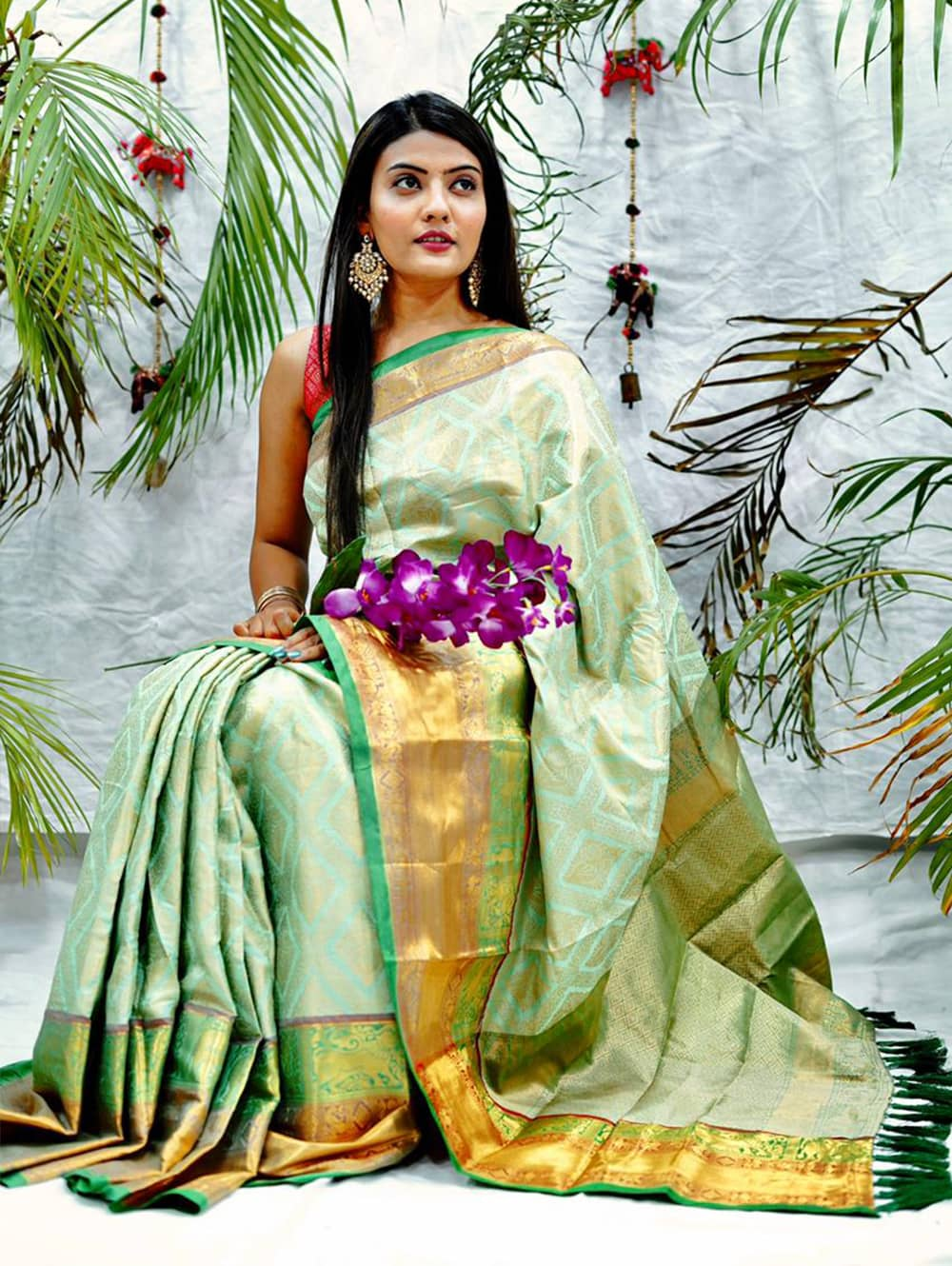 light green kanjivaram soft silk sarees in india dvz0002087