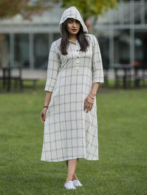 off-white-colored-beautiful-chex-design-khadi-kurti-dvz00081