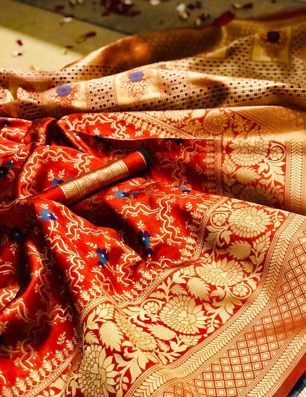 soft banarasi saree in red dvz0002183