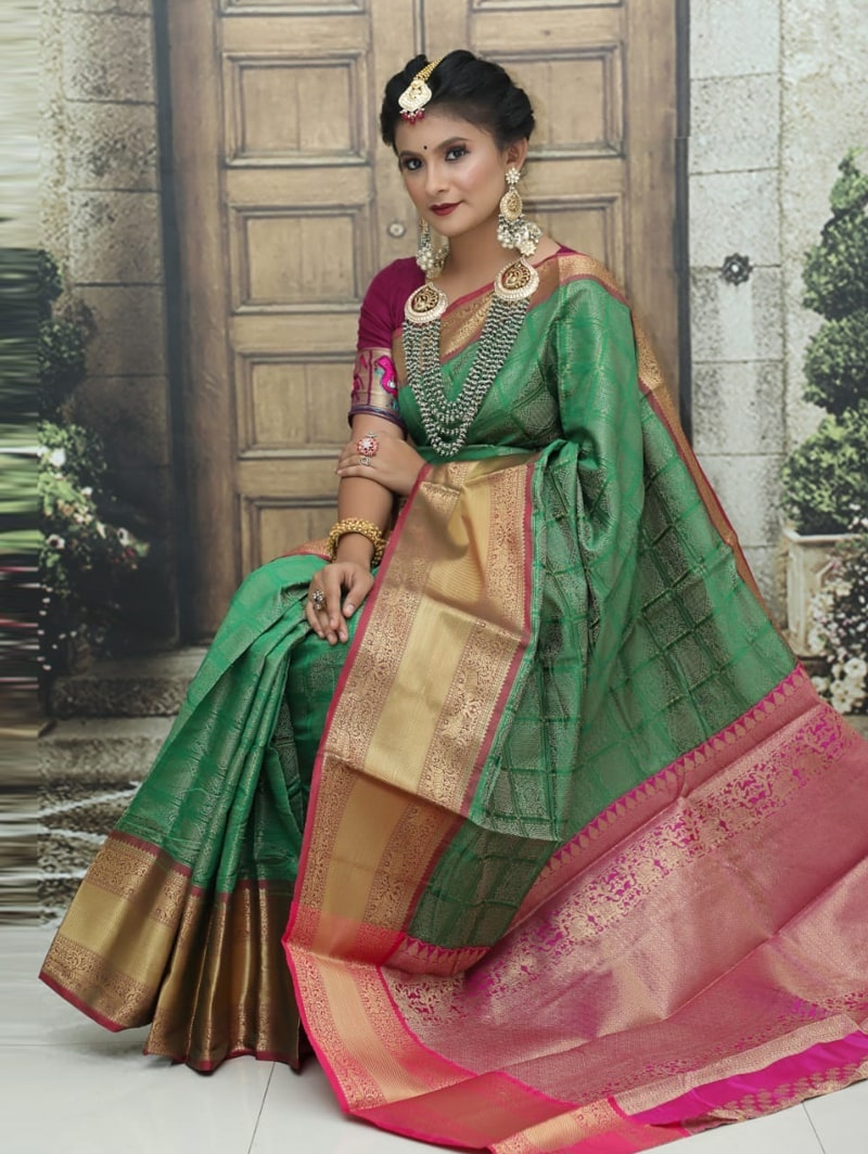 women's Kanchipuram soft silk saree in Green dvz0002585