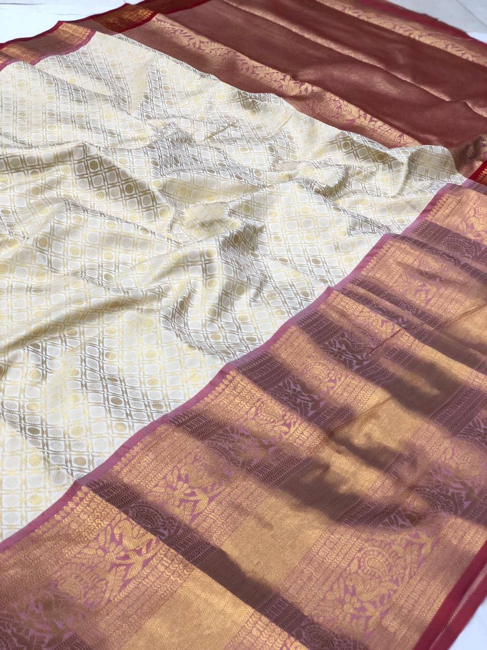 women's White Kanchipuram silk saree india dvz0002234