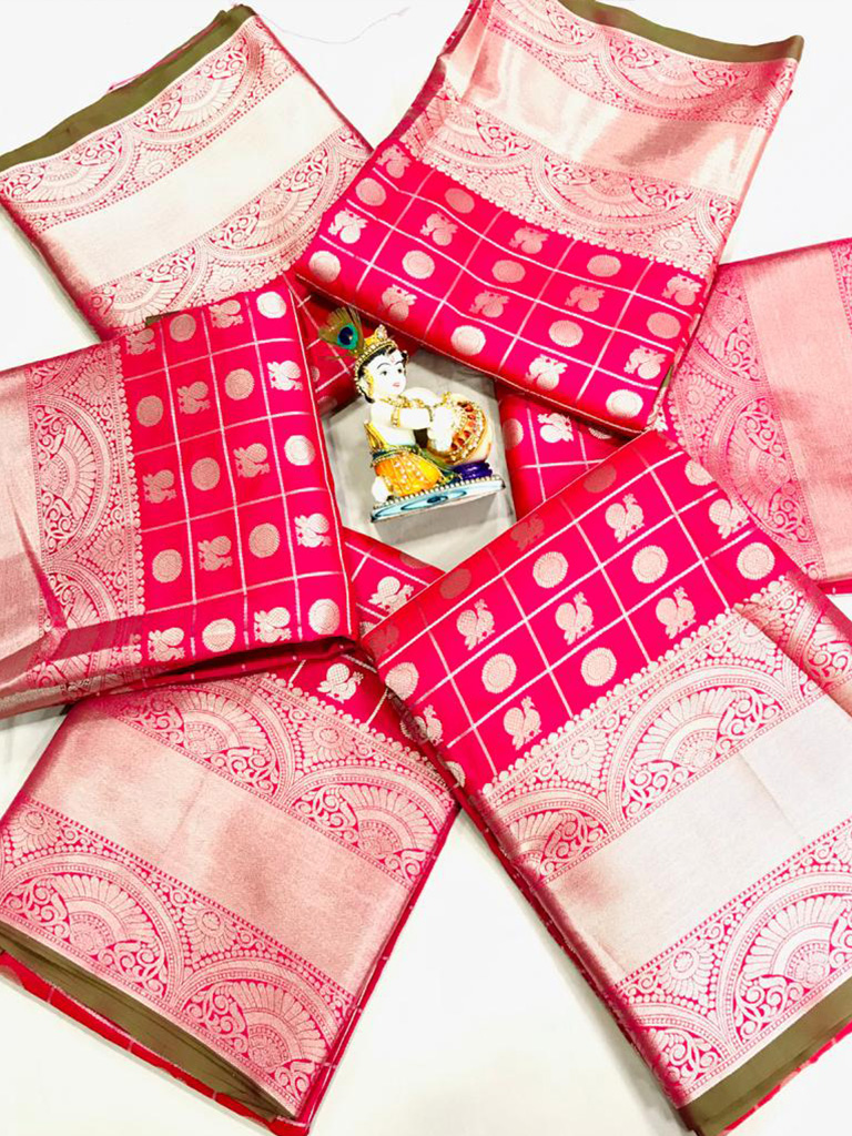 women's pink Lichi Silk Traditional saree dvz0002218