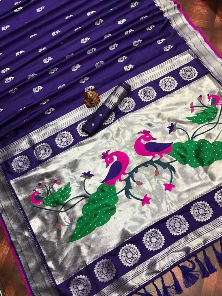 women's violet Traditional Kanchipuram saree dvz0002439